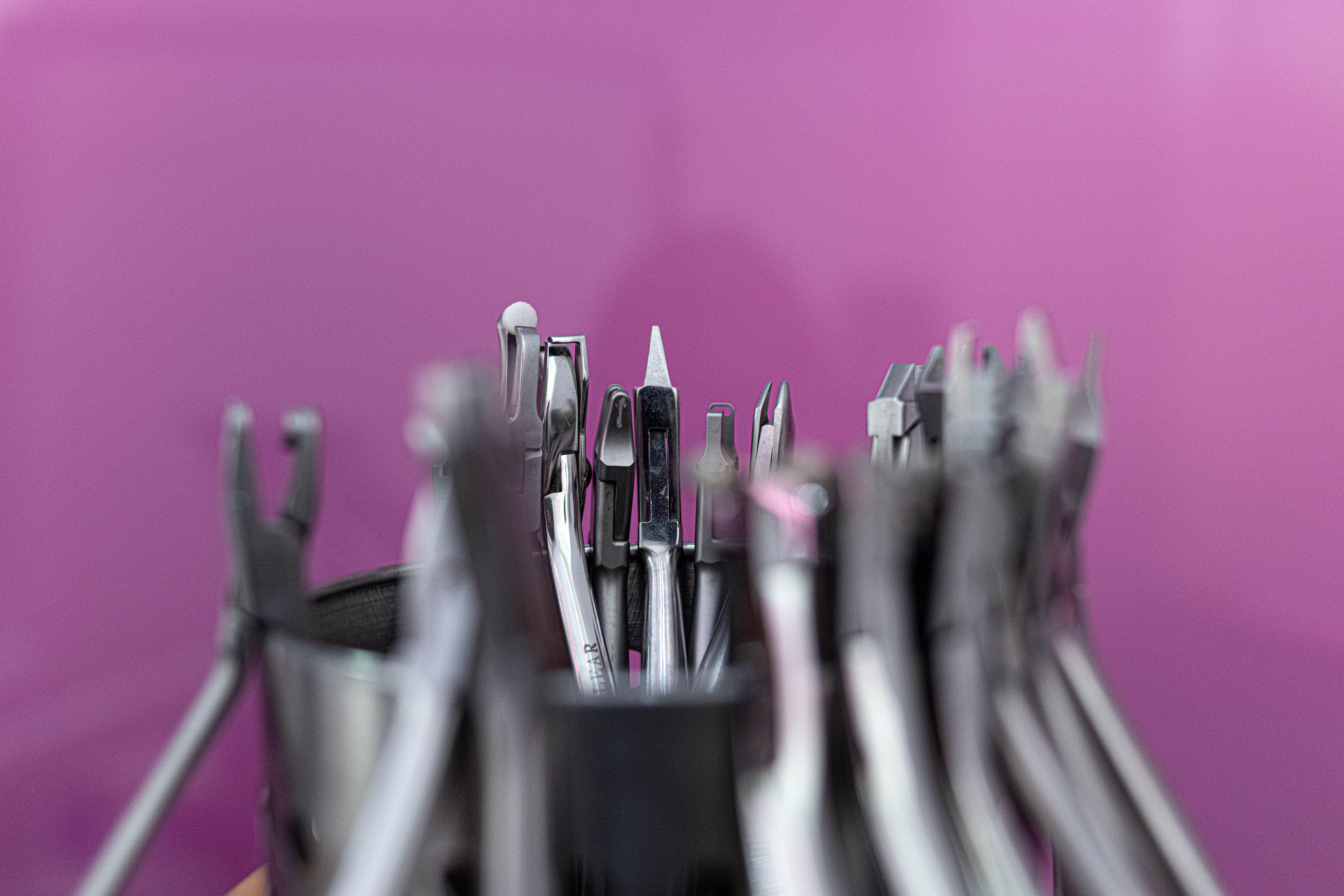 Materiales auxiliares en ortodoncia invisible